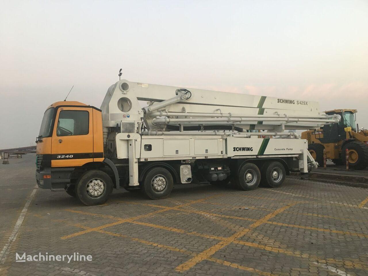 SCHWING s42M concrete pump