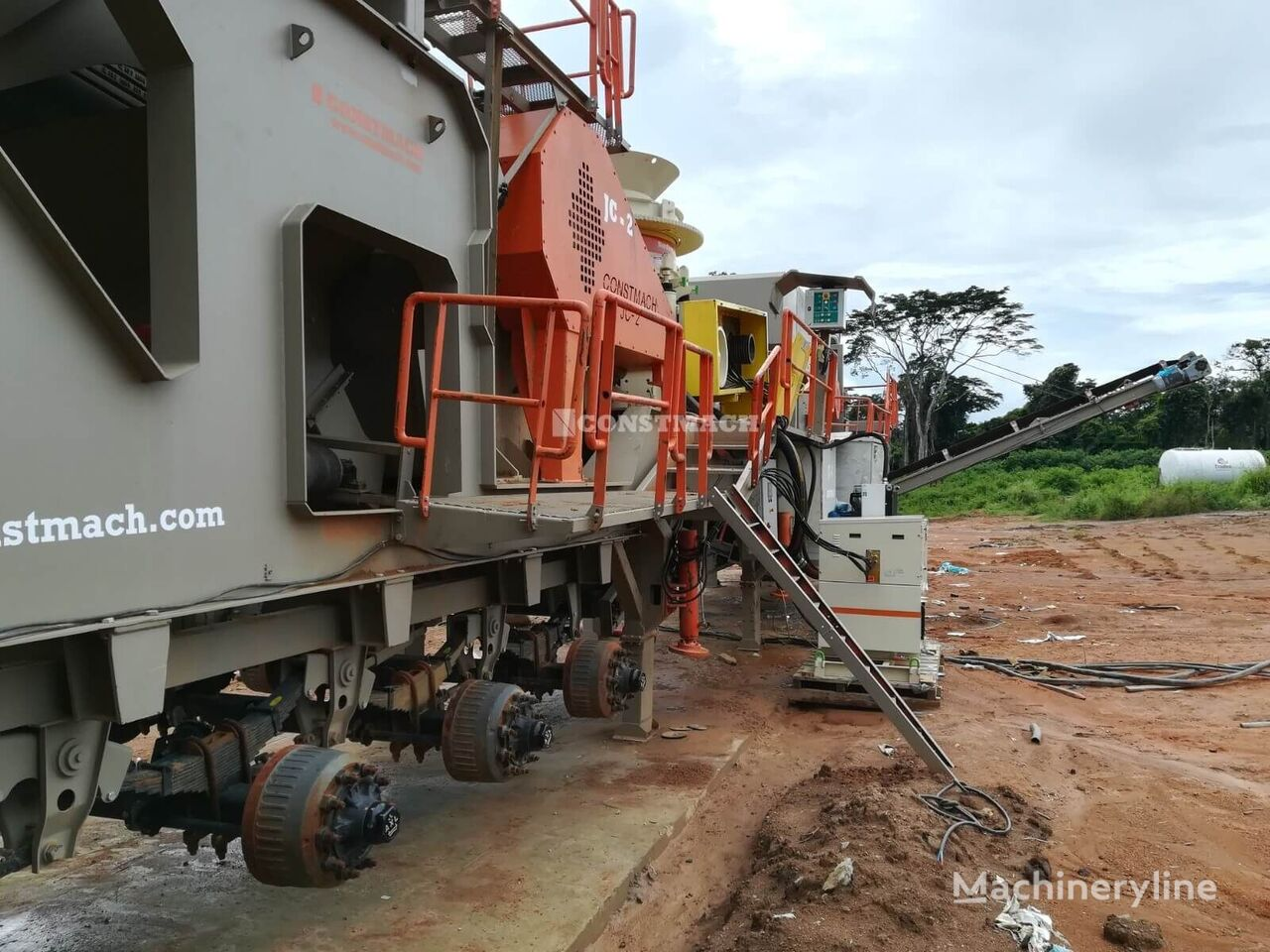 new CONSTMACH 60-80 tph MOBILE JAW + CONE CRUSHER crushing plant
