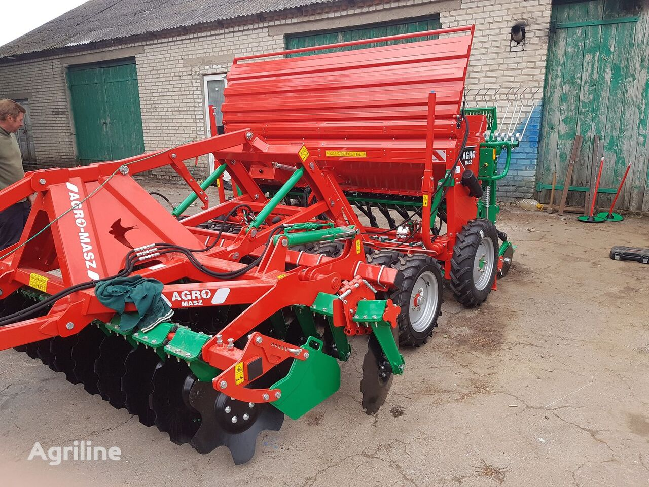 new AGRO-MASZ Posivniy kompleks 3 metra pid 100 k.s. combine seed drill