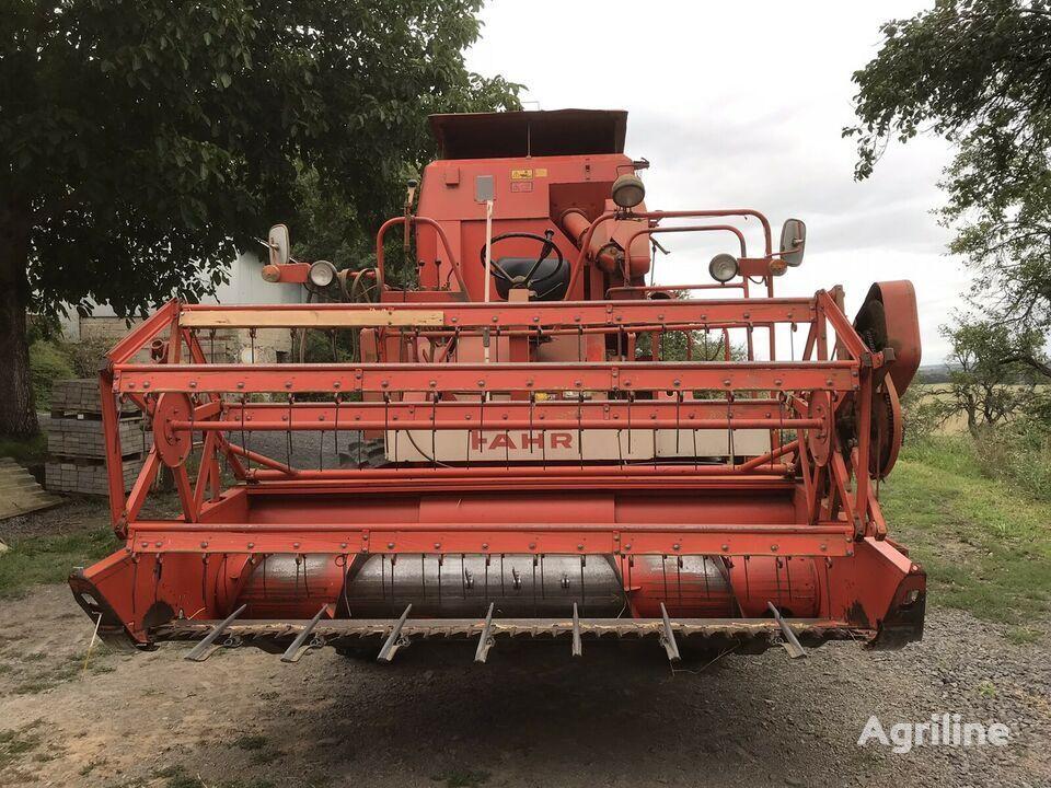 DEUTZ-FAHR grain harvester