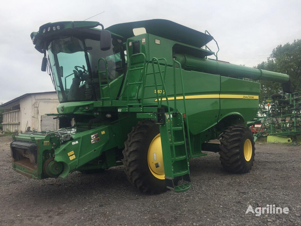 JOHN DEERE S670 grain harvester