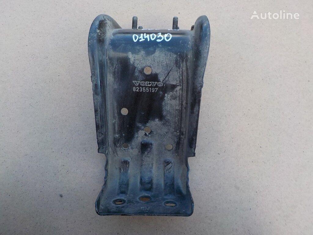 Kronshteyn podnozhki RH Volvo fasteners for truck