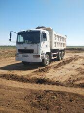 CAMC 290 dump truck